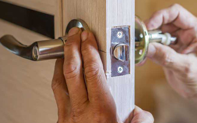 4-Benefits-Of-Calling-Emergency-Locksmith-Service