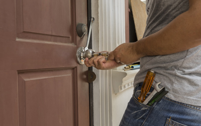 How-To-Avoid-Locksmith-Service-Issues