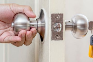 Avoid Doing These Things When Locked Out of House